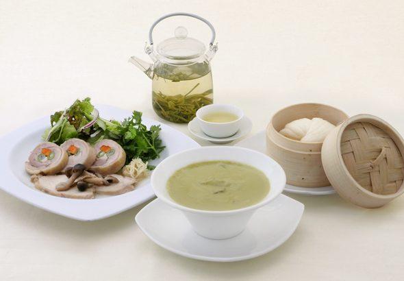 酔鶏凍頂烏龍茶と胡麻の擂茶スープ イメージ